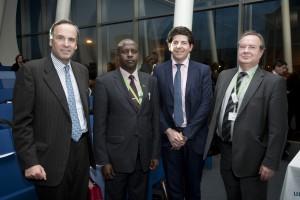Thomas Leysen (KBC Group, Umicore); Dan Mesis (Kenyan Ministry of Environment and Mineral Resources); Olivier Vanden Eynde (WorldLoop, Close the Gap); Hennie Wesseling (WorldLoop - Board)