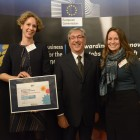 Umicore and WorldLoop together with EU Environment, Maritime Affairs and Fisheries Commissioner Karmenu Vella.